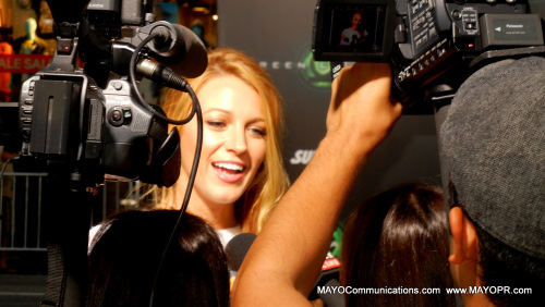 an image of Blake Lively at Green Lantern Premiere talking to media